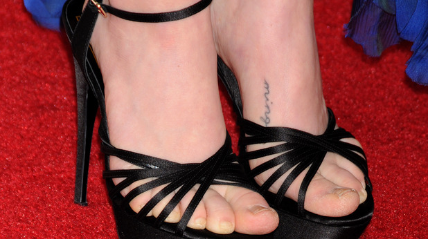 Amanda Seyfried, minge, tattoo