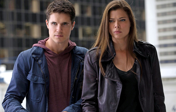 Robbie Amell as Stephen and Peyton List as Cara in The Tomorrow People episode 6: 'Sorry For Your Loss'
