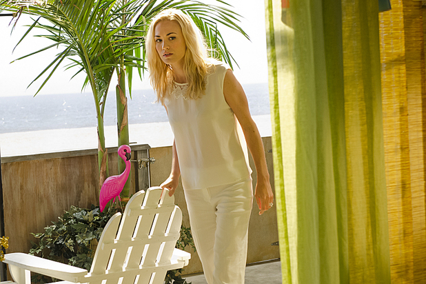 Yvonne Strahovski as Hannah McKay and Julian Sands as Miles Foster in 'Dexter' S08E06