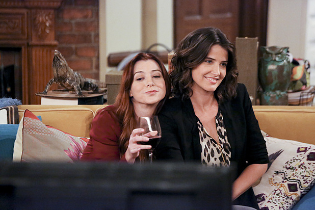 Alyson Hannigan as Lily, Cobie Smulders as Robin in How I Met Your Mother: 'Platonish'
