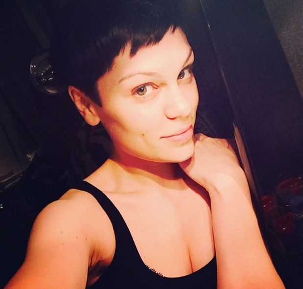 Jessie J goes back to black hair