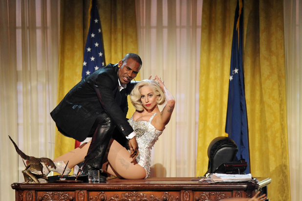 R Kelly and Lady Gaga perform at at the American Music Awards