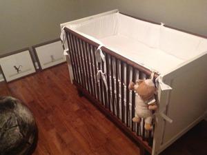 Devon Sawa's baby crib