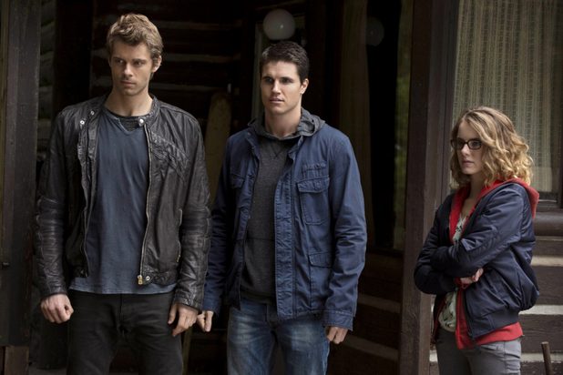 Luke Mitchell as John Young, Robbie Amell as Stephen Jameson, and Laura Slade as Irene Quinn in 'The Tomorrow People' S01E08: 'Thanatos'