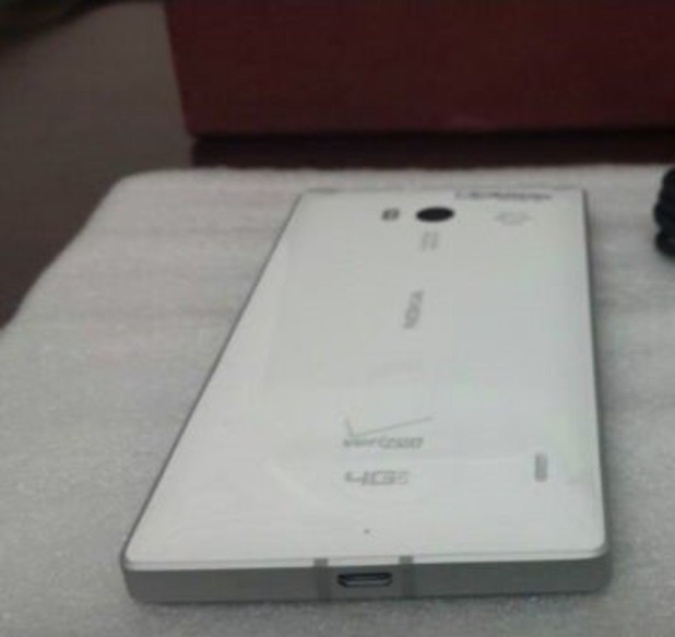 Nokia Lumia 929 purported photo leak