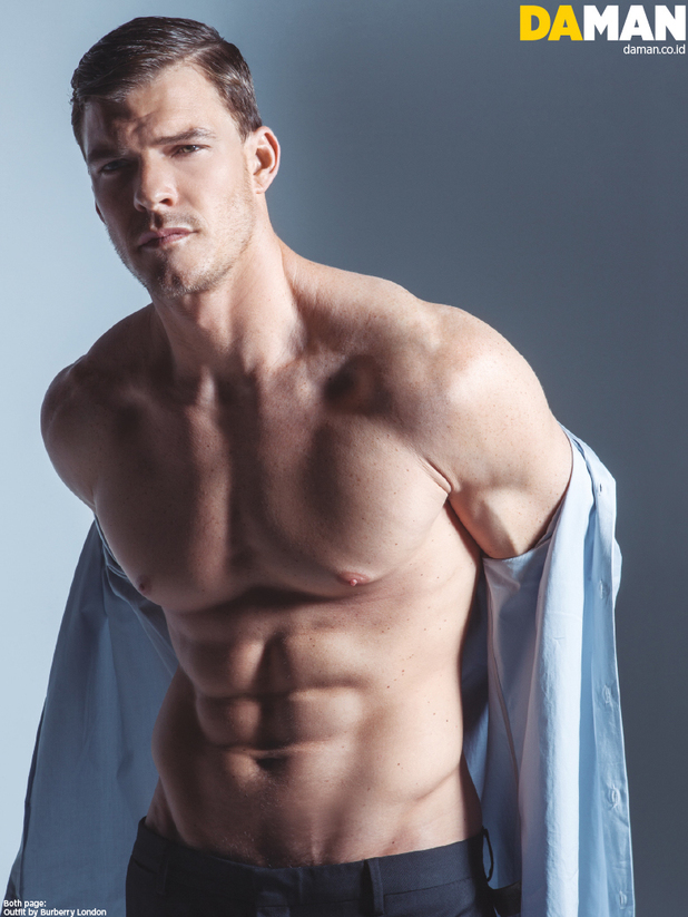 Alan Ritchson shirtless for DA MAN