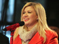 Kelly Clarkson: 'Pregnancy glow is crap'