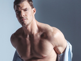 Alan Ritchson shirtless for DA MAN