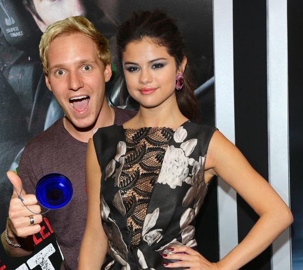 Jamie Laing, Selena Gomez and a Yo yo