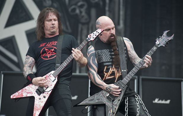 Gary Holt & Kerry King of Slayer performing live