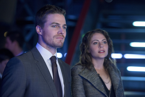 Stephen Amell as Oliver Queen and Willa Holland as Thea Queen in 'Arrow' S02E10: 'Blast Radius'