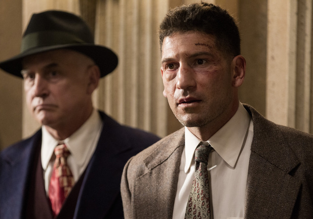 Jon Bernthal as Joe Teague in Mob City: Episode 5