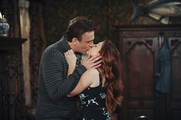 Jason Segel as Marshall and Allyson Hannigan as Lily in How I Met Your Mother: 'Unpause'