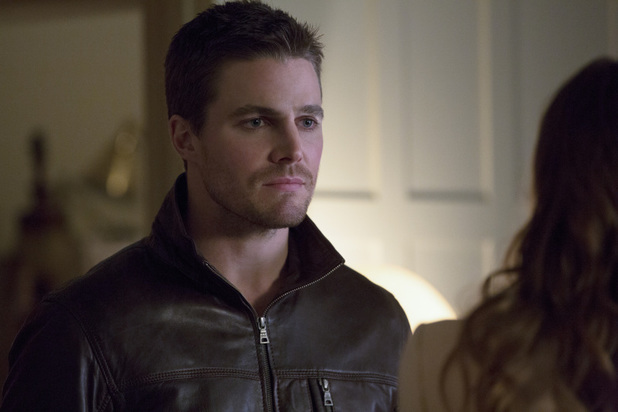 Stephen Amell as Oliver Queen in 'Arrow' S02E11: 'Blind Spot'