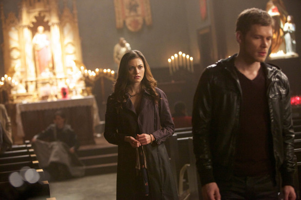 Phoebe Tonkin as Hayley and Joseph Morgan as Klaus in The Originals: 'Apres Moi, Le Deluge'