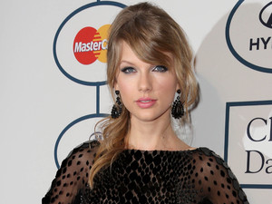 Clive Davis and Recording Academy Pre-Grammy Gala, Los Angeles, America - 25 Jan 2014Taylor Swift 25 Jan 2014