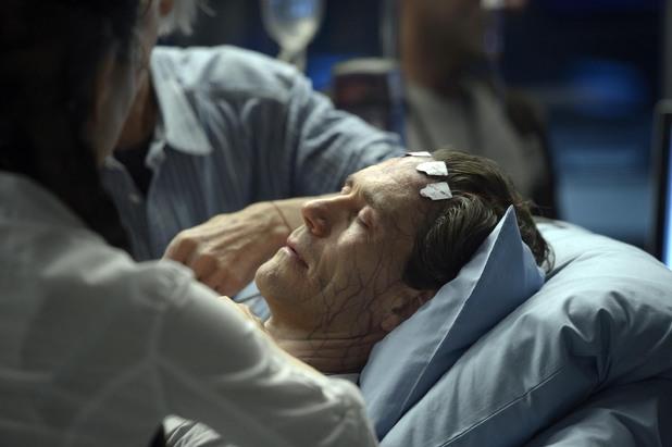 Helix S01E03: 'Single Strand'