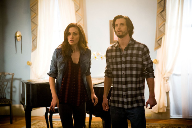 Phoebe Tonkin as Hayley and Nathan Parsons as Jackson in The Originals: 'Crescent City'