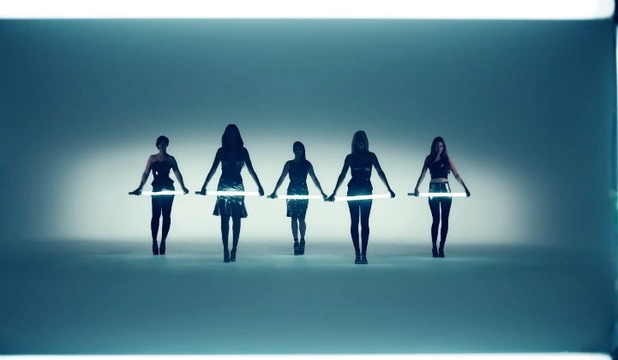 The Saturdays 'Not Giving Up' music video