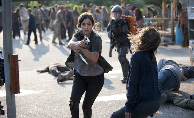 Tara (Alana Masterson) and Glenn (Steven Yeun) in The Walking Dead season 4 episode 10: 'Inmates'