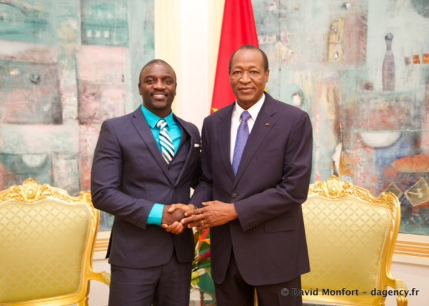 Akon meets with President Blaise Compaoré of Burkina Faso to discuss 'Akon Lighting Africa' project