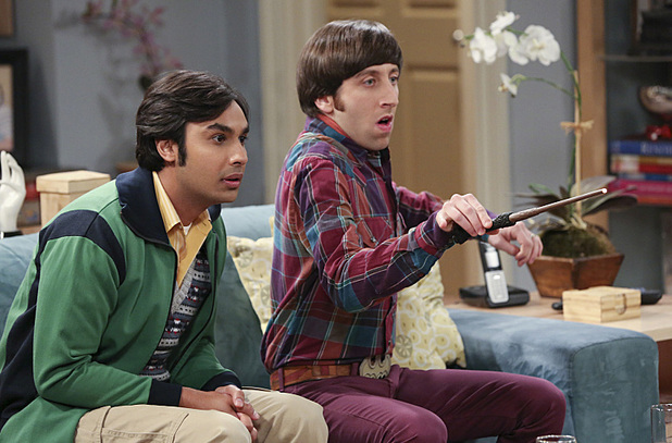 Kunal Nayyar as Raj & Simon Helberg as Howard in The Big Bang Theory: 'The Table Polarization'