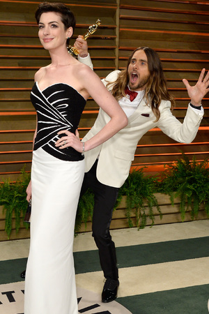 Jared Leto creeps up on Anne Hathaway