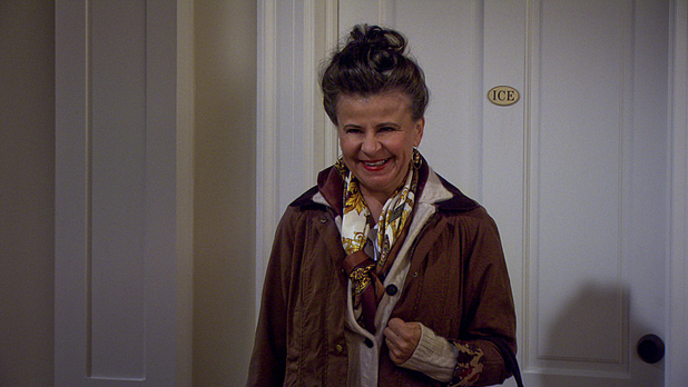 Tracey Ullman as Robin's mom in How I Met Your Mother: 'Vesuvius'