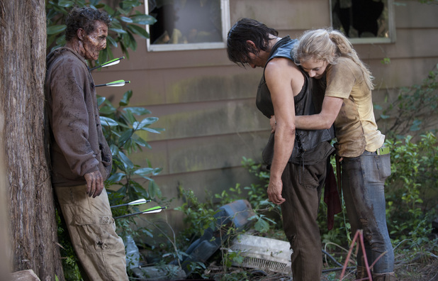Beth Greene (Emily Kinney), Daryl Dixon (Norman Reedus) in The Walking Dead S04E12: 'Still'