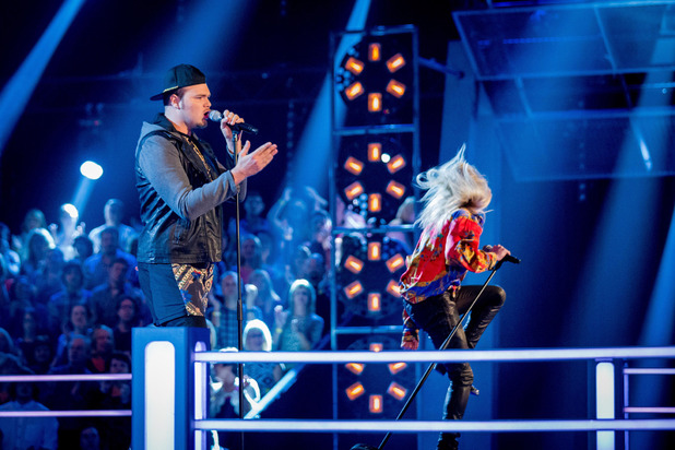 Chris Royal and Jamie Lovatt battle on The Voice