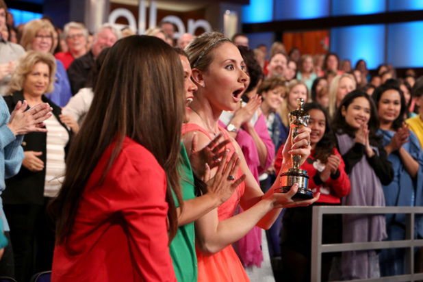 Ellen audience members with Cate Blanchett's Oscar