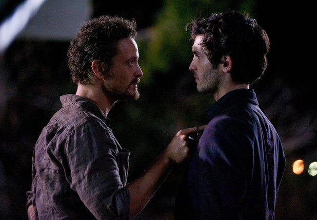 Revolution, Series 2, Episode 11, Mis Dos Padres, David Lyons, Mat Vairo