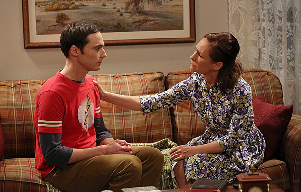 Jim Parsons as Sheldon and Laurie Metcalf as Mary in The Big Bang Theory: 'The Mommy Observation '