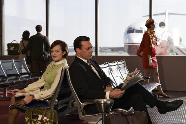 Peggy Olson (Elisabeth Moss) and Don Draper (Jon Hamm) in Mad Men season 7 still