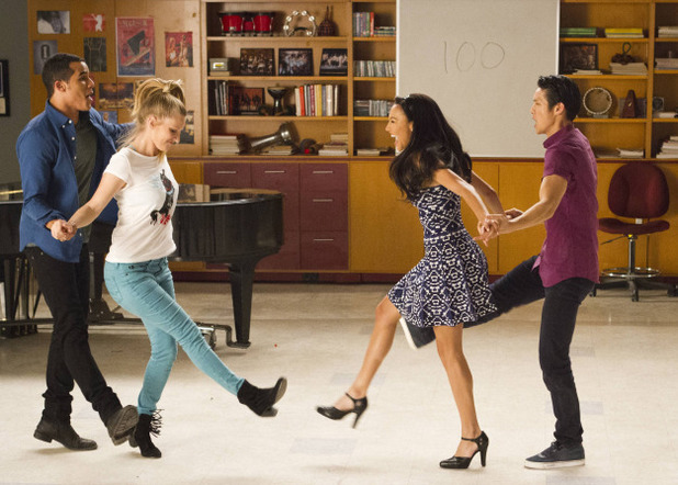 Jacob Artist as Jake, Heather Morris as Brittany, Naya Rivera as Santana & Marry Shum as Mike in Glee: '100'