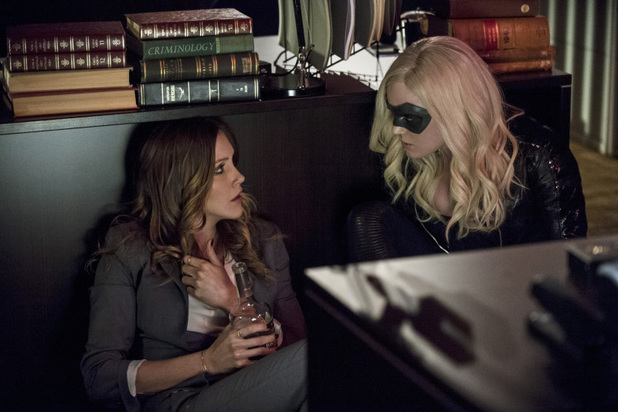 Katie Cassidy as Laurel Lance and Caity Lotz as Canary in 'Arrow' S02E17: 'Birds of Prey