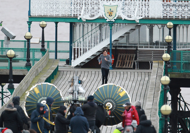 One Direction shoot a music video on Clevedon pier