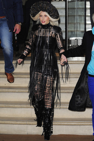 LONDON, ENGLAND - DECEMBER 07: Lady Gaga leaves her London hotel on December 7, 2013 in London, England. (Photo by Keith Hewitt/FilmMagic)
