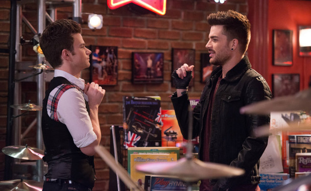 Chris Colfer as Kurt & Adam Lambert as Elliott in Glee S05E14: 'New New York'