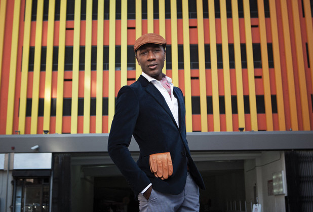 Aloe Blacc promo still