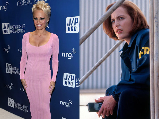 Pamela Anderson & Gillian Anderson in The X-Files
