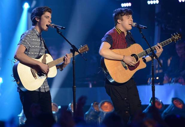 Sam Woolf and Alex Preston perform on American Idol