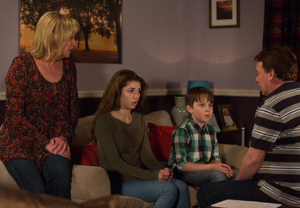 Ian tells a devastated Cindy and Bobby about Lucy
