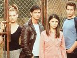 Roswell starring Katherine Meigl, Jason Behr, Shiri Appleby, and Brendan Fehr