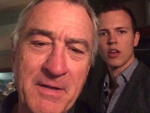 Robert De Niro struggles to find his way around Vine