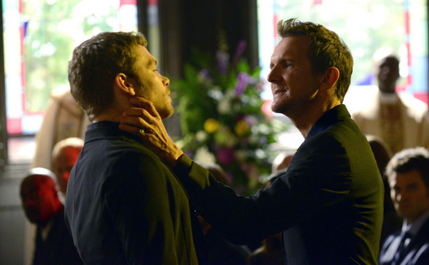 Joseph Morgan as Klaus and Sebastian Roche as Mikael in The Originals S01E20: 'A Closer Walk with Thee'