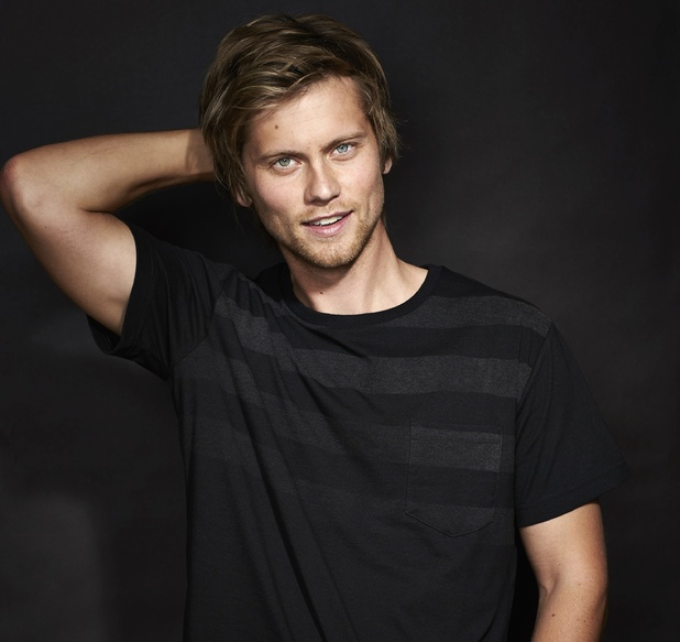 Tim Phillipps as Daniel Robinson in Neighbours