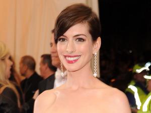 Met Ball 2014: Anne Hathaway