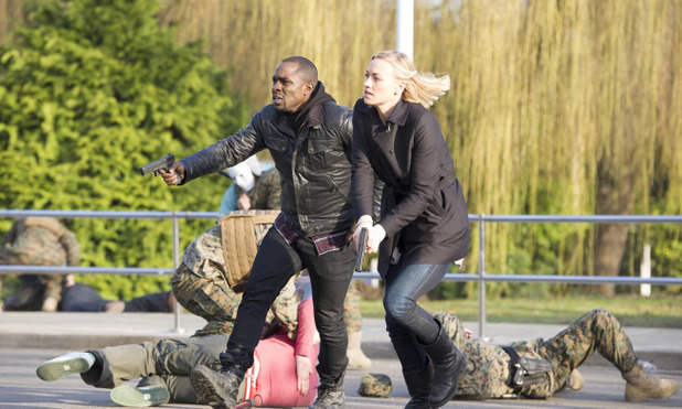 Gbenga Akinnagbe as Erik & Yvonne Strahovski as Kate in 24: Live Another Day episode 3: '1:00PM - 2:00PM'