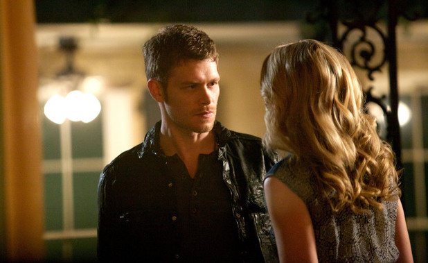 Joseph Morgan as Klaus and Leah Pipes as Cami in The Originals S01E22: 'From A Cradle to a Grave'